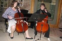 Jarní koncert žáků základní umělecké školy v Polné otevřel symbolicky v úterý v prostorách židovské synagogy turistickou sezonu.