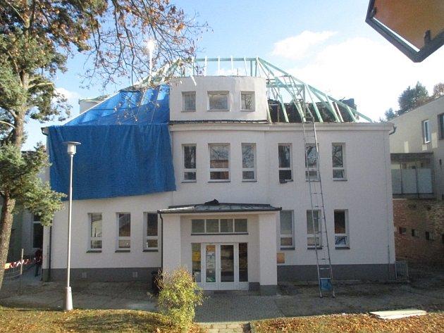 Stará poliklinika v Třešti.