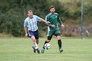 Šlágr 5. kola okresního přeboru mužů mezi Brtnicí(v zeleném) a Cejlí dopadl lépe pro domácí fotbalisty. Ti vyhráli 3:2, a v tabulce svého soka o bod přeskočili.