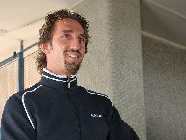 Hokejový útočník Patrik Bosák vyměnil rodné Topolčany za Jihlavu.