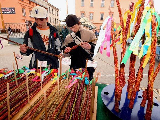 Velikonoce a pomlázky obsadily jihlavské náměstí.