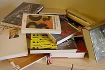 Čtenáři vJihlavě si mohou půjčit například knihu o srpnu 1968 od Petra Pitharta.