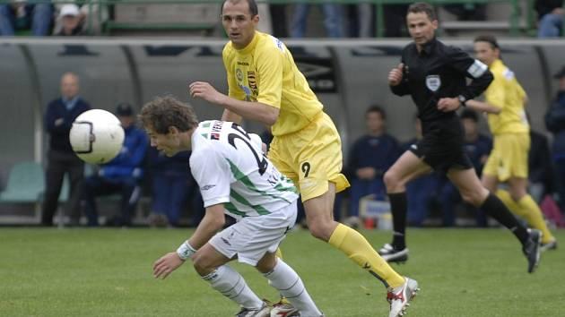 Na jaře roku 2007 se oba týmy setkaly naposledy. V Ďolíčku se představil i Michal Lovětínský (ve žlutém), který zažil jihlavskou porážku 1:0. Na stadion tehdy přišlo více než osm tisíc diváků, aby povzbudili svůj tým v boji o postup mezi českou elitu.