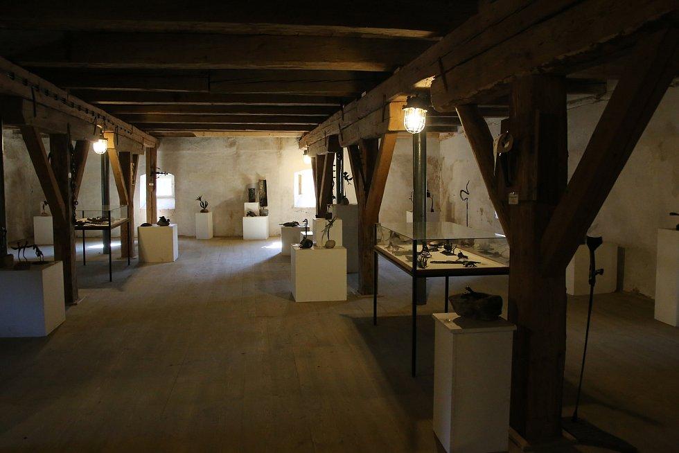 Sýpka v Brtnici slouží jako výstavní prostor.