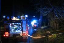 Dostat plameny pod kontrolu se zasahujícím hasičským jednotkám podařilo po pár minutách intenzivního hašení. Foto: se svolením HZS Kraje Vysočina