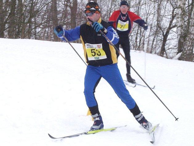 Na úvod lyžařského seriálu je připravena trať ve Zborné a závod Univerzál.