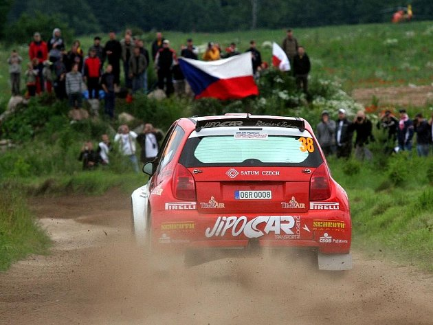 Jihlavský pilot Martin Prokop na Polské rallye bodoval ve své kategorii druhým místem. Ostatním jezdcům juniorského šampionátu ukázal i před českými fanoušky záda.