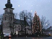 Vánoční strom v Novém Městě na Moravě.