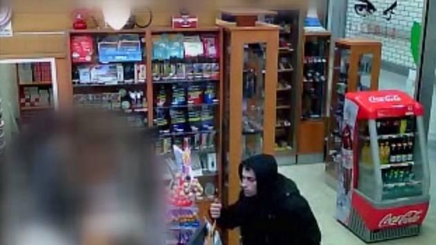 Tento muž si ponechal nalezenou peněženku.