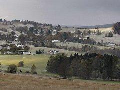 Deviza. Pro Vysočinu to je zcela určitě její půvabná krajina (na snímku vidíte Studnice na Žďársku). Přesto se kraj dlouhodobě potýká s malým počtem turistů a návštěvníků.