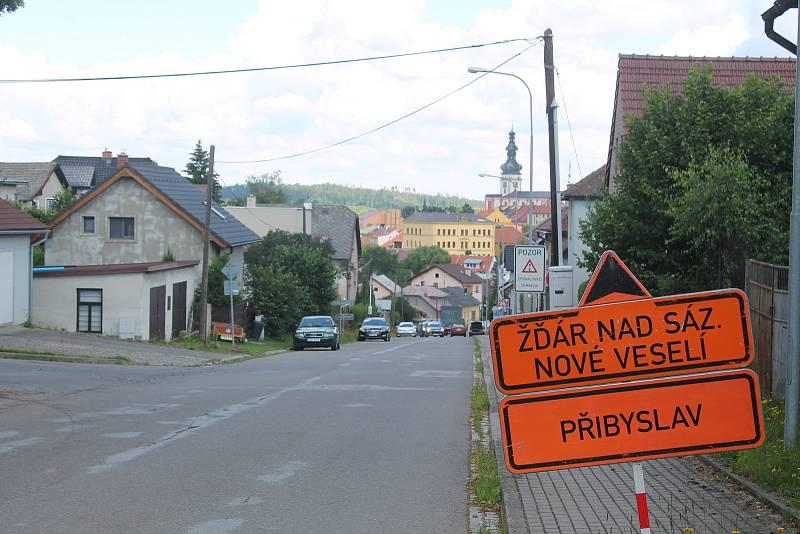 Situaci v Polné komplikují objízdné trasy. Foto: Deník/