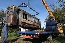 Rudolf Chromý měl jihlavskou tramvaj evidenčního čísla 1 na své zahradě, kde mu sloužila jako seník. Město ji od něj odkoupilo za třicet tisíc.