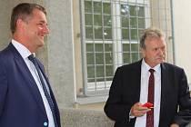 Libor Joukl a Jan Míka po osvobozujícím rozsudku před Okresním soudem v Jihlavě.