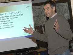 Šéf Tour de Ski a výkonný ředitel běžeckého úseku Mezinárodní lyžařské federace Jürg Capol představuje novinky druhého ročníku Tour de Ski.