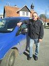 Začátkem května jel Roman Kubů po 40 letech jako poštovní doručovatel naposledy. Nyní už si chce užívat důchodu.