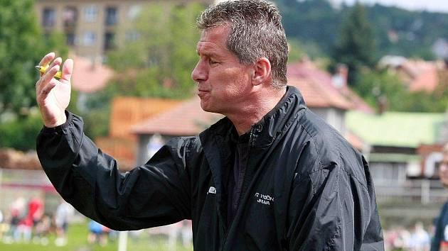 Vedení jihlavského klubu nedalo trenérovi Luboši Urbanovi (na snímku) žádná ultimáta týkající se konečného umístění. Sám trenér se chce pohybovat na dostřel čela tabulky.