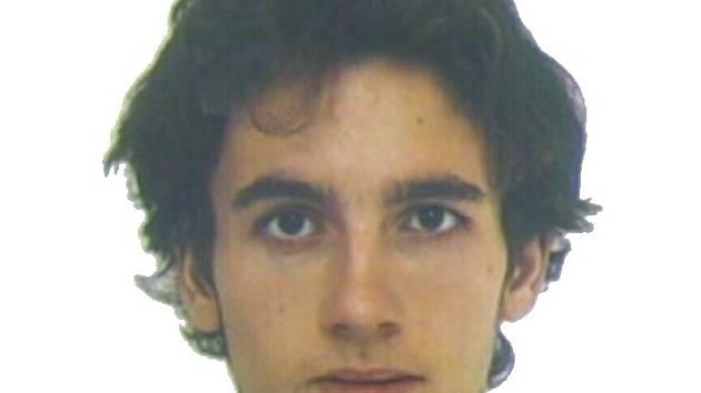Policie poskytla fotografii muže, který v pondělí večer utekl z Psychiatrické léčebny v Jihlavě. Po 21letém muži bylo vyhlášeno celostátní pátrání
