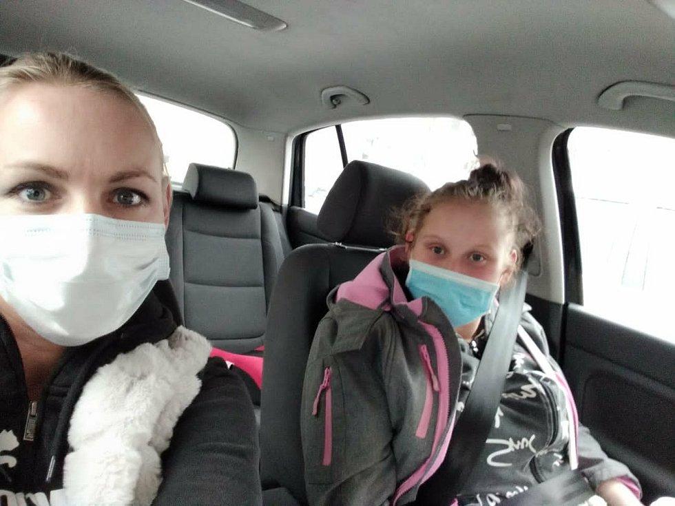 Slečna Markéta s Ivankou při setkání v autě