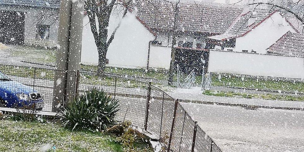 Sněžení na Jihlavsku poslední březnový den.