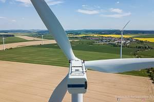 Pohled na větrnou elektrárnu v Pavlově na Jihlavsku.