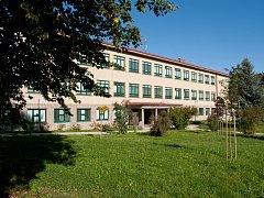 Budova telčské střední školy v sobotu ožije oslavami 160 let od jejího založení.