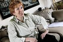Jihlavská zoo si může gratulovat. Letos už se v ní narodilo téměř tři sta zvířat. Ředitelka zahrady Eliška Kubíková (na snímku) je pyšná například na rozmnožení manulů.