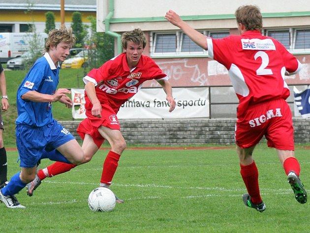 Obě střetnutí ligových dorostenců FC Vysočina (vlevo Jan Dobrovolný) se zlínskou Tescomou skončila remízami 1:1.