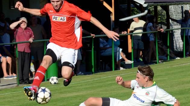Osm gólů. Kdo přišel na derby do Rantířova, neprohloupil. S góly se tam roztrhl pytel a Třešť si domů odvezla bod.
