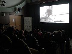 Nejdelší film festivalu, Report, se promítal v kině Dukla, málokdo ho ale shlédl celý.