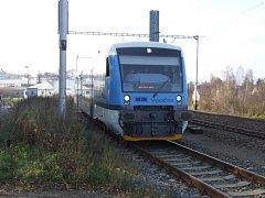 Třináct souprav Stadler zvýší úroveň cestování ve vlacích na Vysočině. Na některých tratích budou nyní jezdit už pouze tyto nové vozy.