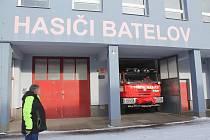 Hasiči v Batelově mají téměř novou Tatru, většina záchranných obleků ale potřebuje vyměnit.