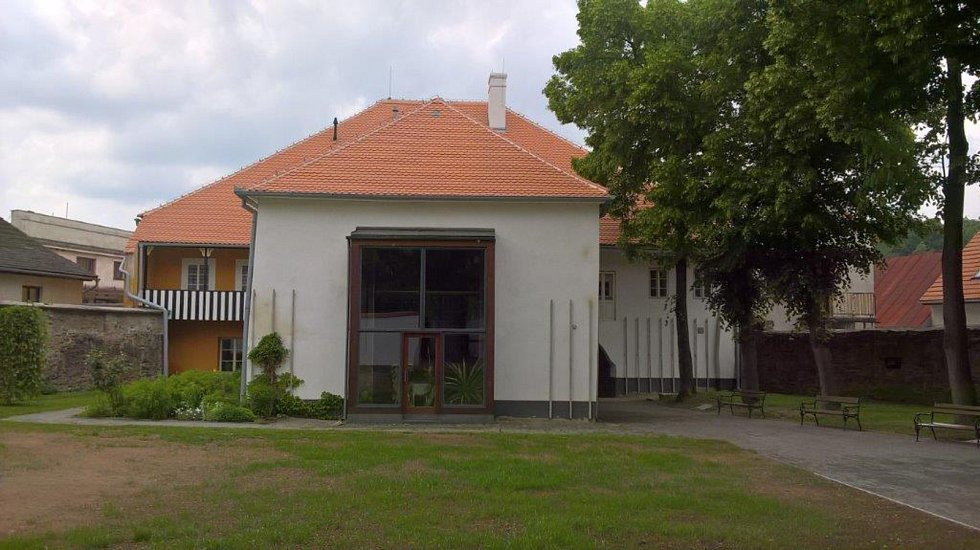 Dvůr v Rodném domě Josefa Hoffmanna.