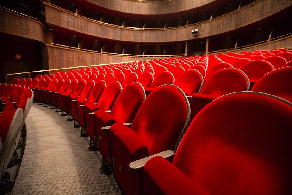 Sál velké scény Horáckého divadla Jihlava.