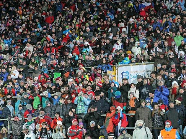 O letošní biatlonové mistrovství světa byl ve Vysočina Areně mimořádný divácký zájem.