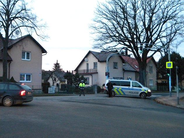Místo vraždy ulice Slavíčkova u křižovatky se Sokolovskou ulicí.