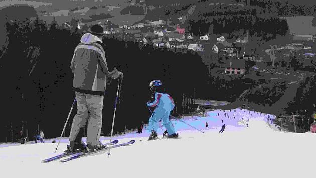 Sjezdovka Šacberk na vrchu Rudný v Jihlavě je mezi zimními sportovci oblíbená. Výhodou je i dětský vlek, který je pro děti bezplatný.