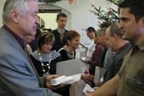 Plakety doktora Jánského obdrželi častí dárcové na jihlavské radnici