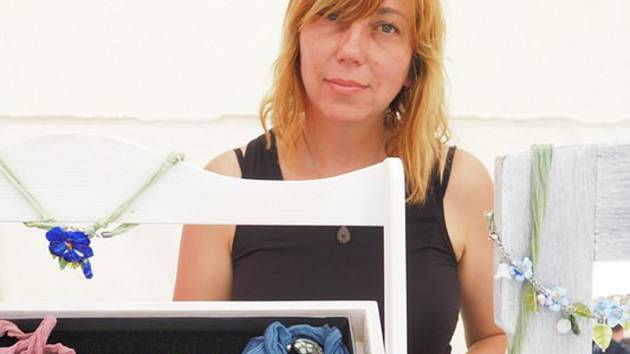 Jitka Baďurová z Nové Říše vyrábí originální šperky.