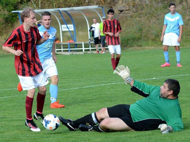 Fotbalisté Dobronína ve středeční dohrávce nepotvrdili  tři body, které získali nad Prvními Košeticemi. Na hřišti v Havlíčkově Borové totiž prohráli 0:1.