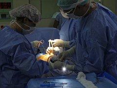 Operace v jihlavské nemocnici.