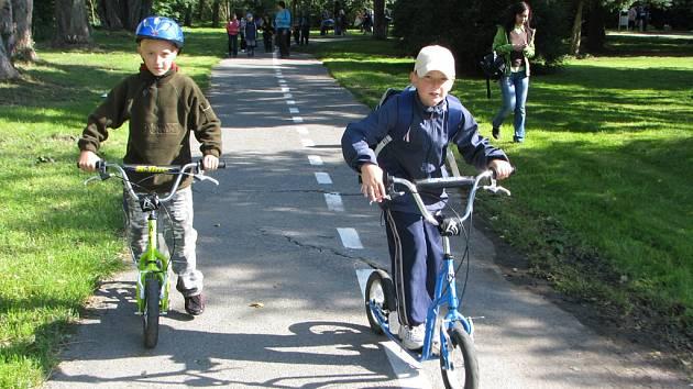 V týdnu mobility děti ovládnou dětské hřiště, mohou uspět ve vědomostních i dovednostních soutěžích.
