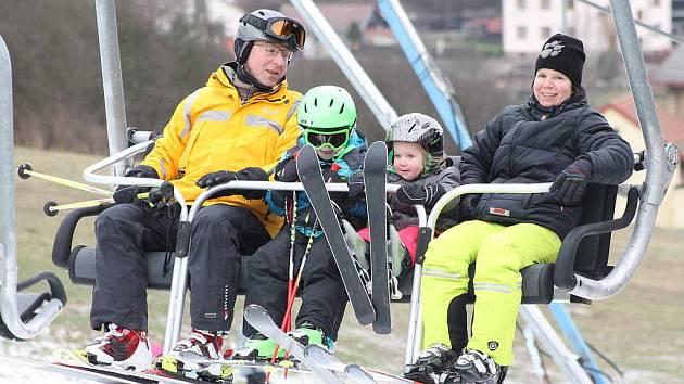 V Lukách nad Jihlavou se lyžovalo od sobotního rána.