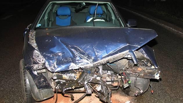 Srážka dvou automobilů ve Stonařově.