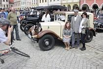 Staré vozy se v Telči sjedou již v pátek, výstava vozidel pro veřejnost na náměstí Zachariáše z Hradce se ale spolu s kulturním programem uskuteční až v sobotu. Ilustrační foto.