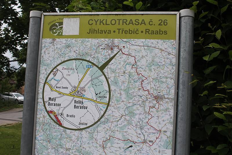 Nedaleko Velkého Beranova vede oblíbená cyklostezka z Jihlavy do Třebíče a dále do rakouského Raabsu.