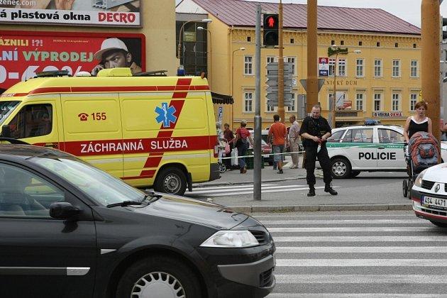 Nákladní automobil srazil v Jihlavě chodkyni.