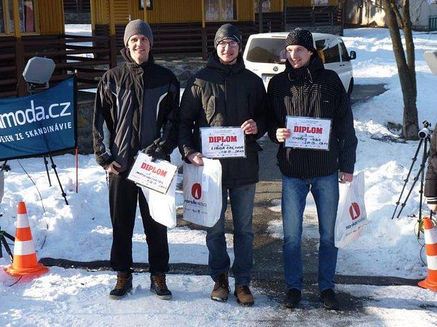 Libor Eremka (uprostřed) zvládl extrémní závod na 28 km nejlépe.