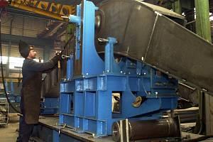 Strojírenský podnik Unex je jedním z největších tuzemských výrobců zařízení pro těžební průmysl. Podnik sice omezil počet zaměstnanců, ale stále vyrábí.