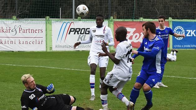 Druholigové utkání mezi Líšní (ve světlém) a Jihlavou skončilo výhrou brněnského  musžtva 2:0.