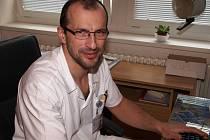 Novým primářem dětského oddělení jihlavské nemocnice je Martin Zimen. Vystřídal Milana Svojsíka.